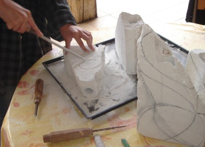 Sarah Sculpture sur beton cellulaire Vase